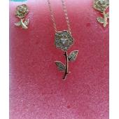 Bijoux femme - chaine en or plaqué + crystal avec boucle d'oreille - en forme de fleur