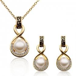 """Coffret boucles d'oreilles et collier Collection """" Infinity"""" - Plaqué or et zirconium - Coffret cadeau -"""