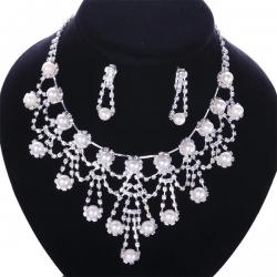 """Coffret collier et boucles d'oreilles Plaqué argent """"la Divine ange"""" à motif Goutte d'eau et de matière perle"""